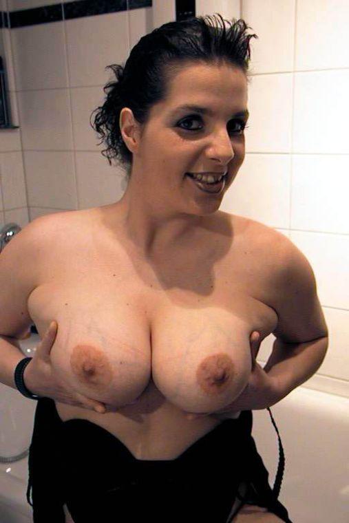 Dicke Busen mit großen Brustwarzen